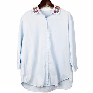 Zara•blue button down embroidered peter pan top